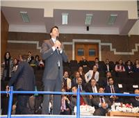 وزير الشباب والرياضة يلتقي طلاب جامعة حلوان