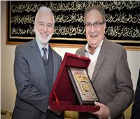 «جامعة مصر للعلوم والتكنولوجيا» تنظم ندوة عن «إيطاليا» وتكرم مستشارها الثقافي
