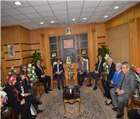 رئيس جامعة المنصورة يستقبل السفير الفرنسي
