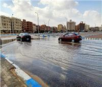«مياه الأمطار» أغرقت الشوارع وقطعت الكهرباء بالسويس