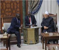 """سفير السنغال بالقاهرة: منهج الأزهر المعتدل جعله """"قبلة"""" للدارسين"""