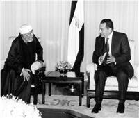 صور| علاقة مبارك بـ«الشيخ الشعراوي» والبابا شنودة