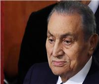 أكثرها قسوة وفاة الحفيد.. لحظات إنسانية لا تنسى في حياة أسرة «مبارك»