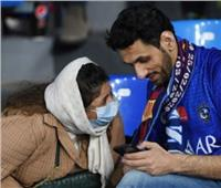 صور| جماهير نابولي وبرشلونة تتحصن بالـ«كمامات» ضد كورونا