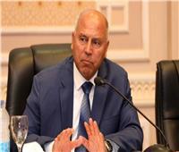 وزير النقل ورئيس قناة السويس يشهدان توقيع عقد الالتزام الخاص بالمحطة متعددة الأغراض