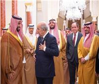 ولي العهد السعودي يجتمع مع رئيس الجمهورية الجزائرية