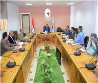 رئيس جامعة سوهاج يجتمع بأعضاء لجنة جائزة مصر للتميز الحكومي