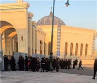 إقبال كبير قبل بدء عزاء الرئيس الأسبق مبارك | فيديو