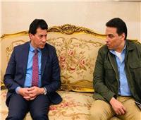 وزير الرياضة يلتقي حسام البدري على هامش لقاء الترجي