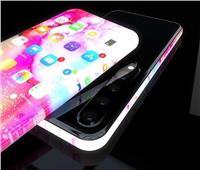 هاتف جديدة من آيفون.. زجاج بالكامل وبدون حواف