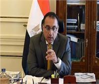 رئيس الوزراء يستعرض تقريراً بشأن الإجراءات الطيران المدني لمواجهة «كورونا»