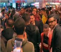 فيديو| جمهور عمرو دياب يحتفل بصدور ألبوم «سهران» في فيرجن ميجا ستور