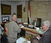 محافظ جنوب سيناء يلتقي 70 مواطنا لحل مشكلاتهم