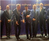 صور| تكريم رئيس الاتحاد الدولي لليد بحضور رموز الرياضة