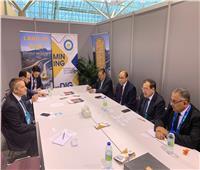 وزير البترول يلتقي عددا من الشركات بختام أعمال المؤتمر الدولي للتعدين بكندا