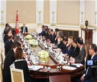 الرئيس التونسي يترأس الاجتماع الأول للحكومة الجديدة
