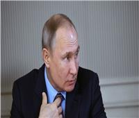 امرأة تطلب الزواج من بوتين خلال زيارته لمدينة إيفانوفو الروسية