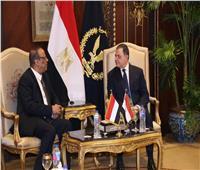 وزير الداخلية يبحث مع نظيره اليمني تعزيز التعاون الأمني بين البلدين