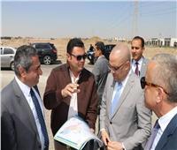 صور| موقف إقليمي ومحطة صرف.. «الجزار» يتفقد عددًا من المشروعات في 6 أكتوبر