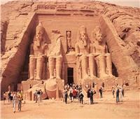 1800 سائح أجنبي يزورون معبد أبو سمبل جنوب أسوان