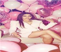 """هيفاء وهبي تحتفل بعيد ميلادها في لوكيشن """"أسود فاتح"""""""