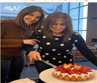 بالصورة.. نانسي عجرم تحتفل بعيد ميلاد والدتها