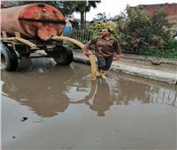 استمرار حالة الطقس السىء بالبحيرة وجهود لإزالة تراكمات المياه