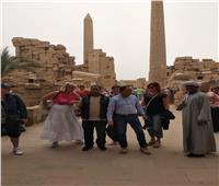 متحدين «منخفض التنين».. السياح يتوافدون على زيارة المناطق الأثرية بالأقصر