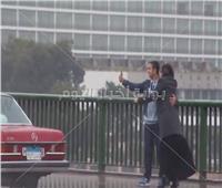 فيديو  «سيلفي التنين» على النيل.. المصريين يتحدون الكورونا والعاصفة بالتصوير