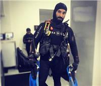 أحمد سعد يسخر من الطقس بملابس الغطس: «إدعولي الأكسجين يكفي»