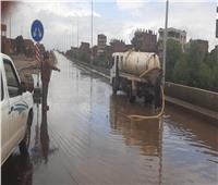 القليوبية تواصل شفط المياه من الشوارع والميادين لتيسير الحركة المرورية