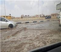 فيديو وصور| بعد 5 ساعات.. تصريف تجمعات المياه بطريق الإسماعيلية الصحراوي