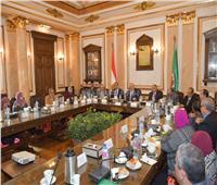 اجتماع طارىء بجامعة القاهرة لمتابعة التحول للتعليم الإلكتروني