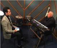 الموسيقار هاني شنودة يكشف تجربته مع الكينج واكتشافه للهضبة