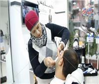 فيديو| في يوم المرأة المصرية.. سيدات يقمن بأعمال الرجال
