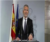 إسبانيا تغلق حدودها البرية.. وتحظر الدخول لغير المقيمين