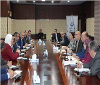 ٤ وزراء ومحافظ القاهرة يستعرضون الحلول للتعامل مع مشكلة منطقة الزرايب