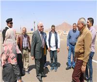 محافظ جنوب سيناء يتابع جولاته اليومية.. ويطمئن علي حالة الأسواق