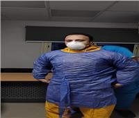 طبيب بمستشفى النجيلة يحث المواطنين على البقاء في المنزل