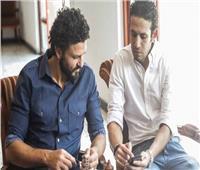 فيديو  حسام غالي يتكفل بـ 50 أسرة في تحدي الخير