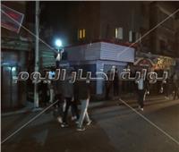 فيديو وصور|قوات الأمن تغلق محلات بولاق الدكرور المخالفة لقرار رئيس الوزراء