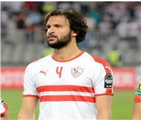 محمد عبدالغني مداعباً محمود علاء: «بيدنيا أكتاف»