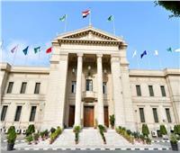 جامعة القاهرة تُشكل 5 فرق بحثية لاكتشاف علاج لفيروس «كورونا»