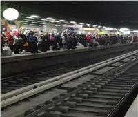 قرار عاجل من «المترو» لاستيعاب زحام الركاب قبل الحظر