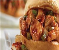 تعرف على طبق اليوم.. «ساندويتش باربيكيو الدجاج»