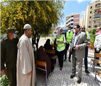 أعضاء البرنامج الرئاسي يشاركون في تنظيم صرف المعاشات بالبحيرة