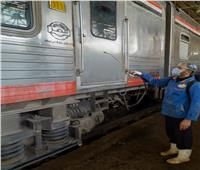 بالكلور والكحول.. تعقيم محطة مصر للسكة الحديد ضد فيروس «كورونا»
