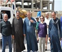 نائب محافظ الإسكندرية تتابع أعمال تطهير المصالح الحكومية والمستشفيات