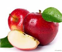 ٣ طرق للتخلص من الطبقة الشمعية المضافة للفاكهة