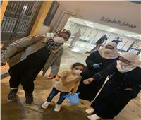 صور| خروج أصغر طفلة من مستشفى قها المركزي للعزل بعد شفائها من كورونا
